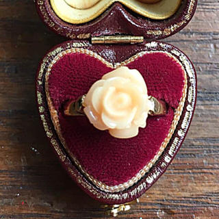 グリモワール(Grimoire)のvintage❤︎クリーミーオレンジの薔薇の指輪(リング(指輪))