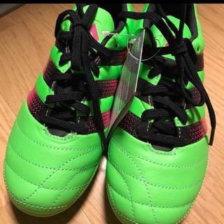 アディダス(adidas)のあゆママ専用★  新品 未使用☆ アディダス サッカースパイク  22cm(シューズ)