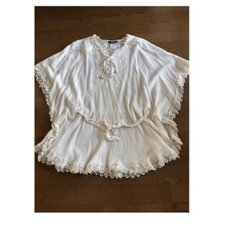 ネストローブ(nest Robe)のmさま❣️専用お値下げです❣️*レース刺繍 ふんわりポンチョチュニック*(チュニック)