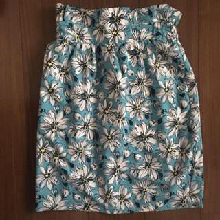 エージープラス(a.g.plus)の 花柄 スカート(ミニスカート)