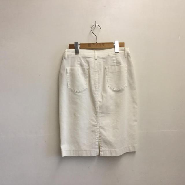 UNIQLO(ユニクロ)のUNIQLO ユニクロ スカート 白 レディースのスカート(ひざ丈スカート)の商品写真