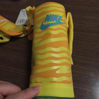 ナイキ(NIKE)の500㎖用水筒カバー(弁当用品)