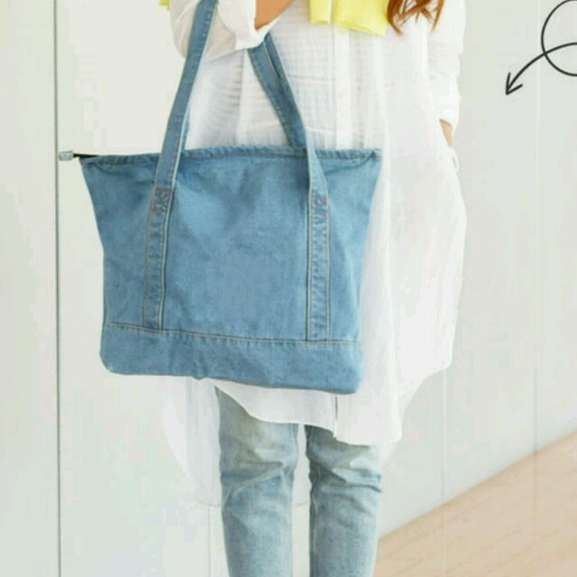 新品 ライトブルー デニム トートバッグ ファスナー付き レディースのバッグ(トートバッグ)の商品写真