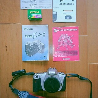 キヤノン(Canon)の送料込!CanonEOS Kiss3 フィルムカメラ(本体+フィルム付)リモコン(フィルムカメラ)