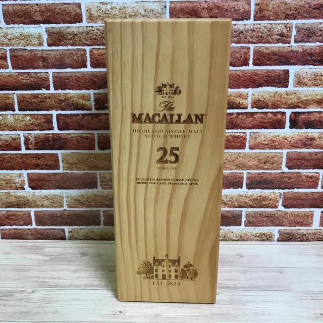 ザ・マッカラン 25年 空き瓶 食品/飲料/酒の酒(ウイスキー)の商品写真