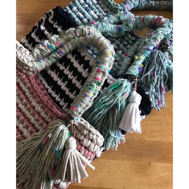 ボーダー手さげバッグ 水色×青ミックス ハンドメイド tシャツ ズパゲッティ ハンドメイドのファッション小物(バッグ)の商品写真
