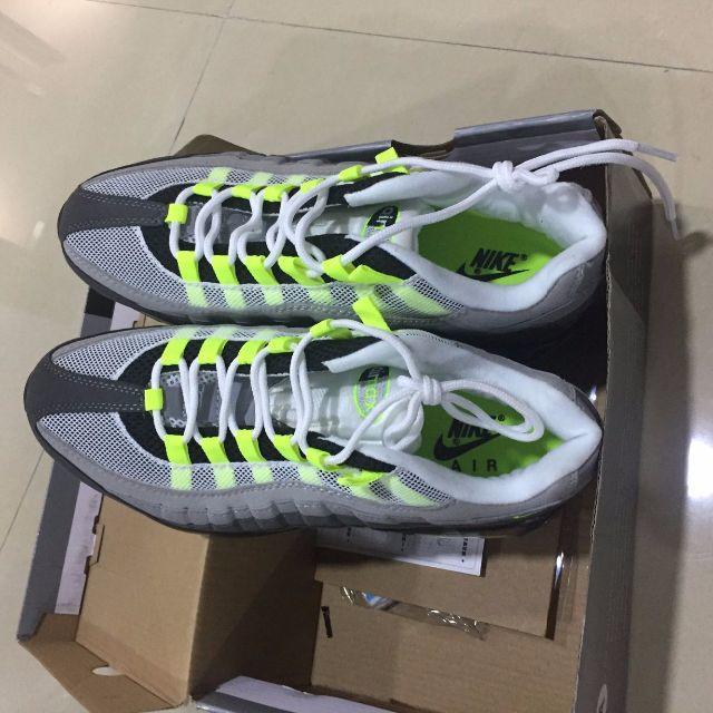 NIKE(ナイキ)のナイキのエアマックス95 イエローグラデーション メンズの靴/