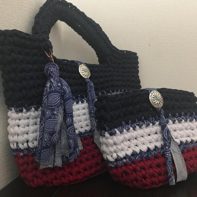 ズパゲッティバッグ 青ペイズリータッセル ポーチプレゼント マチあり ハンドメイドのファッション小物(バッグ)の商品写真