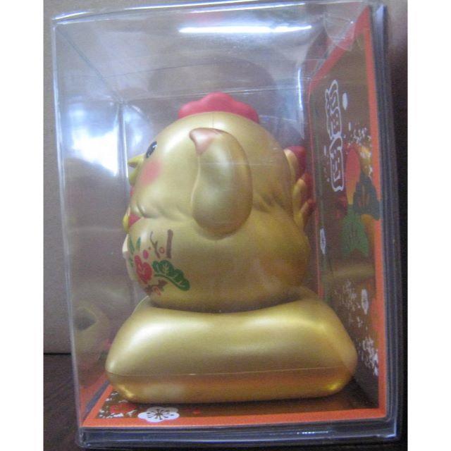 ソーラー幸せ招き酉(金) エンタメ/ホビーのおもちゃ/ぬいぐるみ(キャラクターグッズ)の商品写真