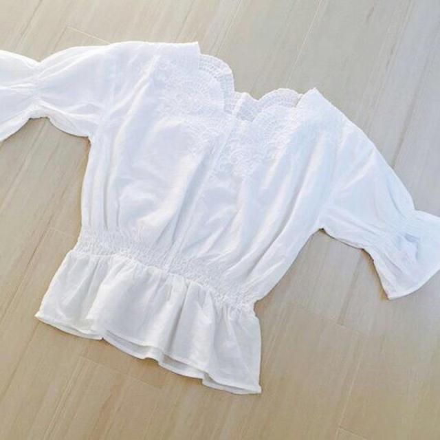 しまむら(シマムラ)のスカラップ刺繍 ホワイト レディースのトップス(シャツ/ブラウス(長袖/七分))の商品写真