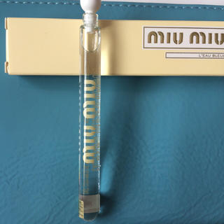 ミュウミュウ(miumiu)の未使用品 ミュウミュウ ロー ブルー オードバルファム 4ml サンプル(香水(女性用))