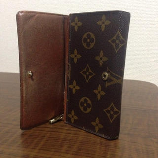 LOUIS VUITTON(ルイヴィトン)の値下げOK!! ルイ ヴィトン 本物 モノグラム 二つ折り財布 ck7 レディースのファッション小物(財布)の商品写真