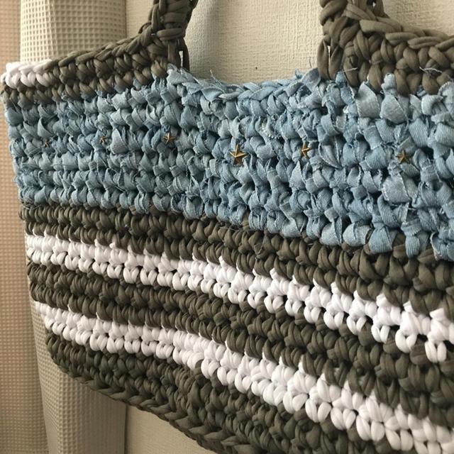 ズパゲッティバッグ 星条旗風 カーキ×デニム 星スタッズ 大きめトート ハンドメイドのファッション小物(バッグ)の商品写真