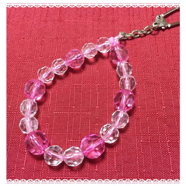 ハンドメイド ピンクのストラップ ハンドメイドのアクセサリー(キーホルダー/ストラップ)の商品写真