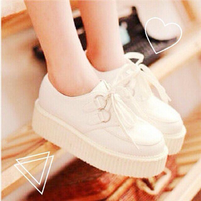 白 厚底 スニーカー レディースの靴/シューズ(スニーカー)の商品写真