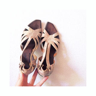 ロキエ(Lochie)のrealleather flower sandal(サンダル)