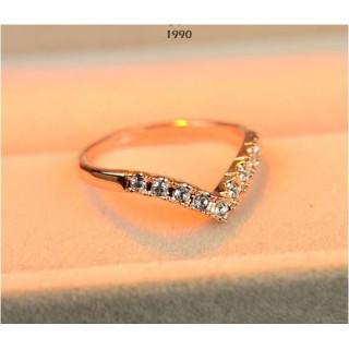 指輪 リング ピンキーリング ダイヤモンドCZ V字  Vライン 大きいサイズ(リング(指輪))