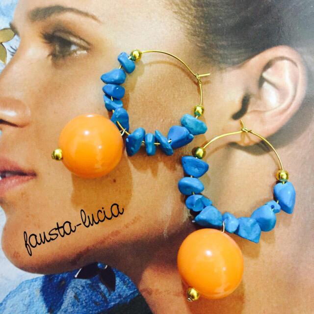 天然ターコイズ&オレンジの大ぶりフープピアスイヤリング ハンドメイドのアクセサリー(ピアス)の商品写真