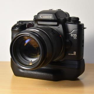 キヤノン(Canon)のCanon EOS55 EF 35‐105㎜ F3.5-4.5 BP-50付き(フィルムカメラ)