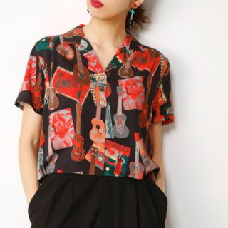 スライ(SLY)の今期新作 コラボ シャツ(Tシャツ(半袖/袖なし))