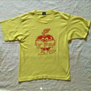 ノックアウト(KNOCKOUT)のビンテージ☆アンティーク☆Tシャツ☆黄色☆リンゴ☆レトロ☆昭和(Tシャツ(半袖/袖なし))
