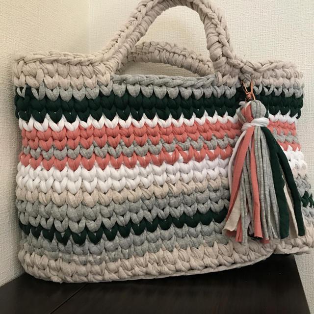 ズパゲッティバッグ ミックスカラートート グリーンミックス カラフルタッセル ハンドメイドのファッション小物(バッグ)の商品写真