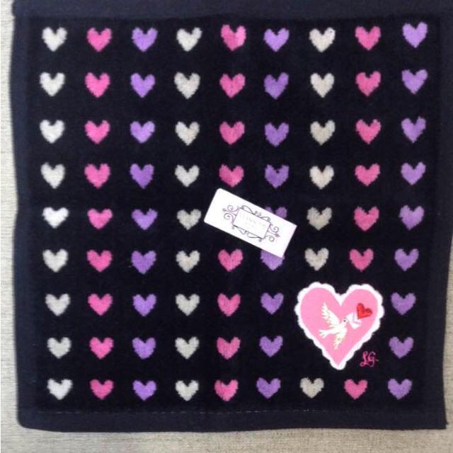LULU GUINNESS(ルルギネス)の新品タグ付き☆ルルギネス ハンカチ☆ブラックハート レディースのファッション小物(ハンカチ)の商品写真