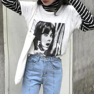 ファンキーフルーツ(FUNKY FRUIT)の原宿 スタイリッシュ ボーイフレンド モノクロ   Tシャツ  FIN トップス(Tシャツ(半袖/袖なし))
