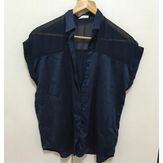 ジーユー(GU)のGUネイビー半袖シャツ(シャツ/ブラウス(半袖/袖なし))