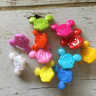 ディズニー(Disney)のミッキー♡カラフルプラスチックボタン(各種パーツ)