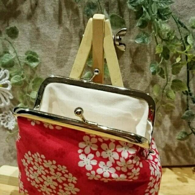 がま口財布(ぷっくり花玉柄・赤♥) ハンドメイドのファッション小物(財布)の商品写真