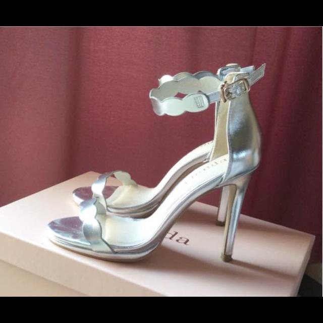 rienda(リエンダ)のシルバーサンダル レディースの靴/シューズ(サンダル)の商品写真