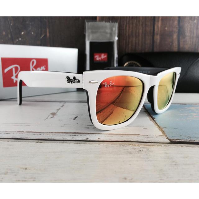 Ray-Ban(レイバン)のホワイトレイバンRayBan2140・956ウェイファーラー〈オレンジミラー〉 メンズのファッション小物(サングラス/メガネ)の商品写真