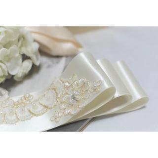 【新品、日本製】金糸を使ったレースのサッシュベルト ウエディング用(ウェディングドレス)