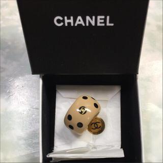 シャネル(CHANEL)の未使用☺︎CHANEL シャネル 指輪 リング ドット ベージュ 黒  ココ(リング(指輪))