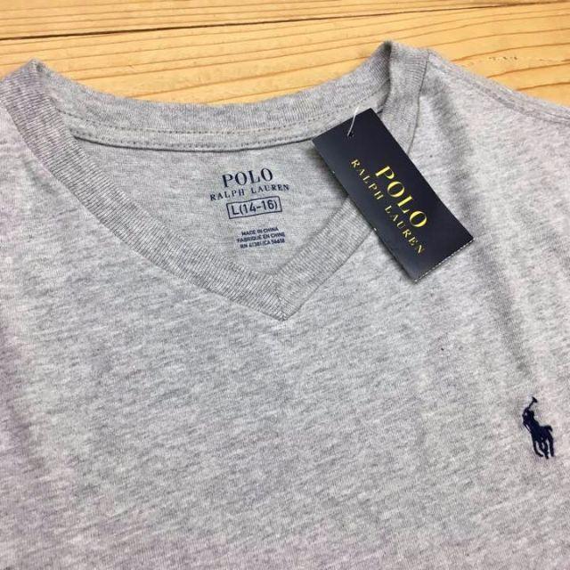 POLO RALPH LAUREN(ポロラルフローレン)の新品【キッズL】★ラルフ★Vネック無地半袖Tシャツ/グレー/ワンポイントロゴ メンズのトップス(Tシャツ/カットソー(半袖/袖なし))の商品写真