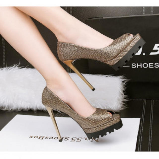【新作】柄 ハイヒール パンプス 高級感 ゴールド レディースの靴/シューズ(ハイヒール/パンプス)の商品写真