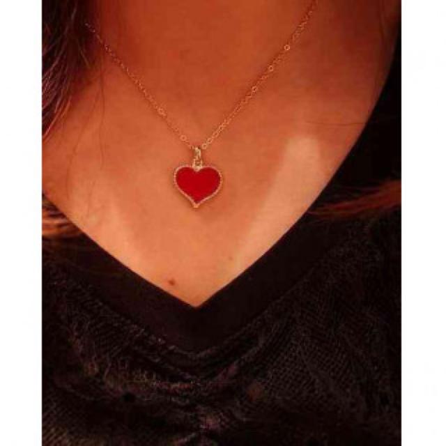 ハートが可愛い 3色展開 赤 レッド レディースのアクセサリー(ネックレス)の商品写真