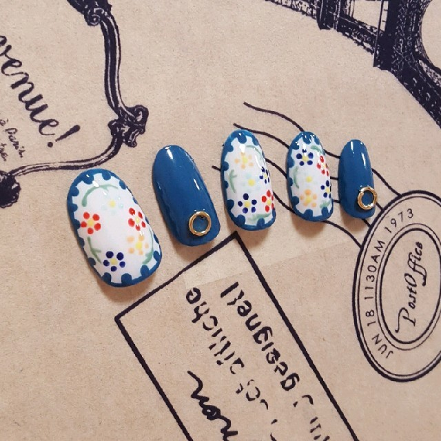 刺繍ネイル ブルー ハンドメイドのアクセサリー(ネイルチップ)の商品写真