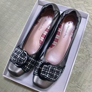 【25.0cm〜26.0cm】【新品】グレーバックル付ミュール レディース靴(ハイヒール/パンプス)