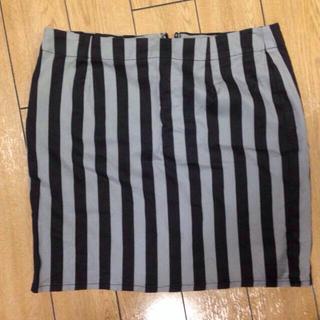ジーユー(GU)の【ブラック×グレー】ストライプ スカート(ミニスカート)