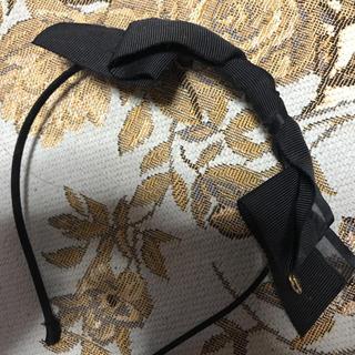 スナイデル(snidel)の美品 紗栄子着用 スナイデル カチューシャ リボン ブラック 黒 雑誌掲載(カチューシャ)