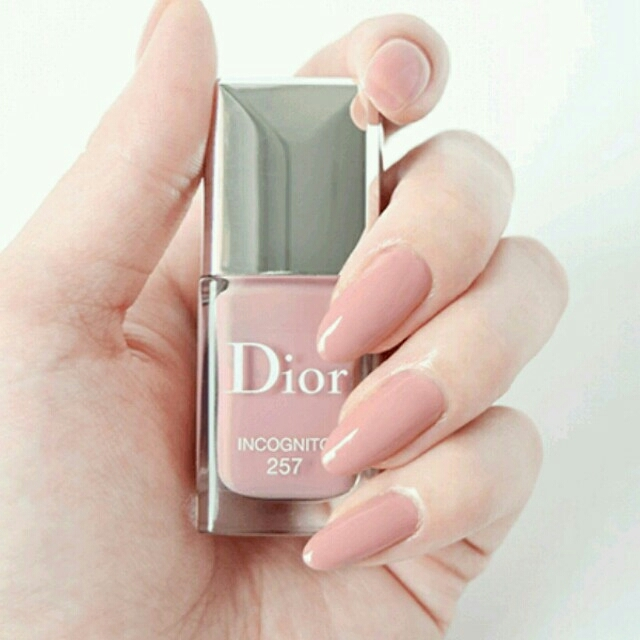 Dior(ディオール)の【雑誌掲載人気色】ディオールヴェルニ 257 コスメ/
