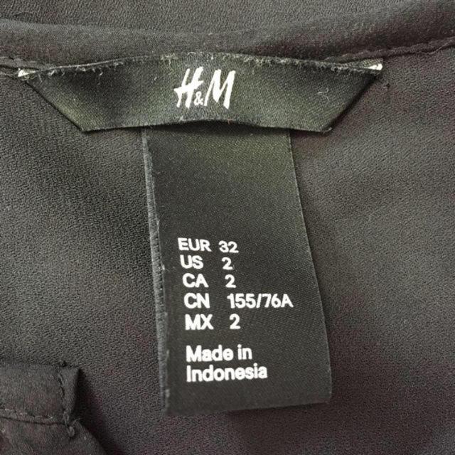 H&M(エイチアンドエム)のH&M☆ブラックシフォンノースリーブ レディースのトップス(シャツ/ブラウス(半袖/袖なし))の商品写真