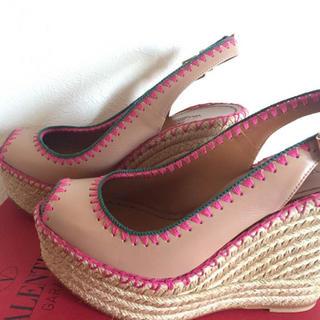 ヴァレンティノガラヴァーニ(valentino garavani)の新品 未使用 バレンチノ ガラヴァーニ 靴(ハイヒール/パンプス)
