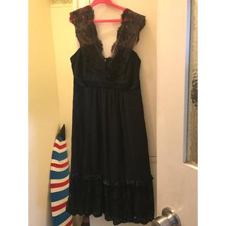 ビーシービージーマックスアズリア(BCBGMAXAZRIA)のBCBG黒レースワンピース💕(ミディアムドレス)