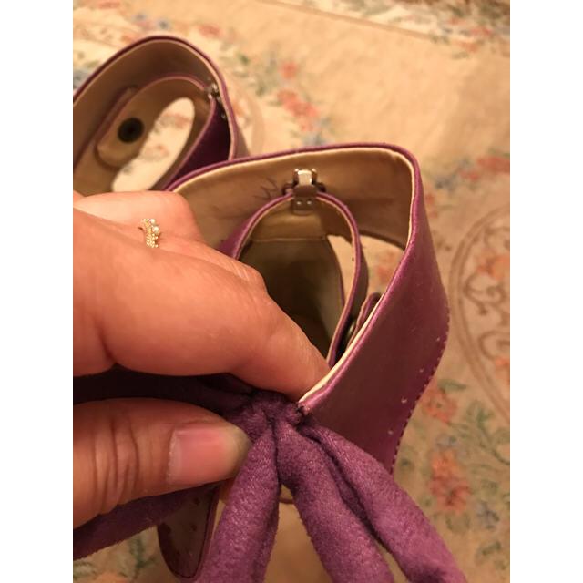 ワインレッドリボンパンプス飾りは取り外し可能です レディースの靴/シューズ(ハイヒール/パンプス)の商品写真
