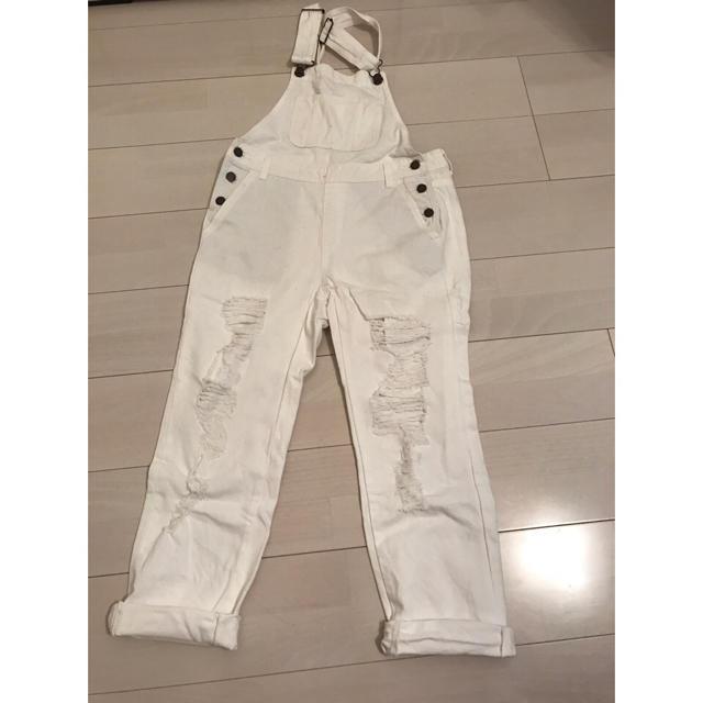 GU(ジーユー)のサロペット ホワイト レディースのパンツ(サロペット/オーバーオール)の商品写真