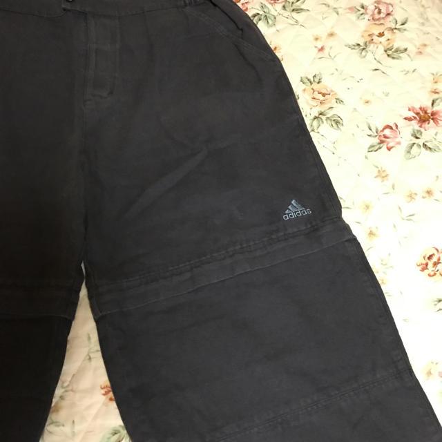 adidas(アディダス)のアディダス、メンズ、ハーフパンツ、Oサイズ、グレー レディースのパンツ(ハーフパンツ)の商品写真