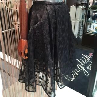 デイシー(deicy)のdeicy ヤシ柄刺繍オーガンジースカート(ひざ丈スカート)